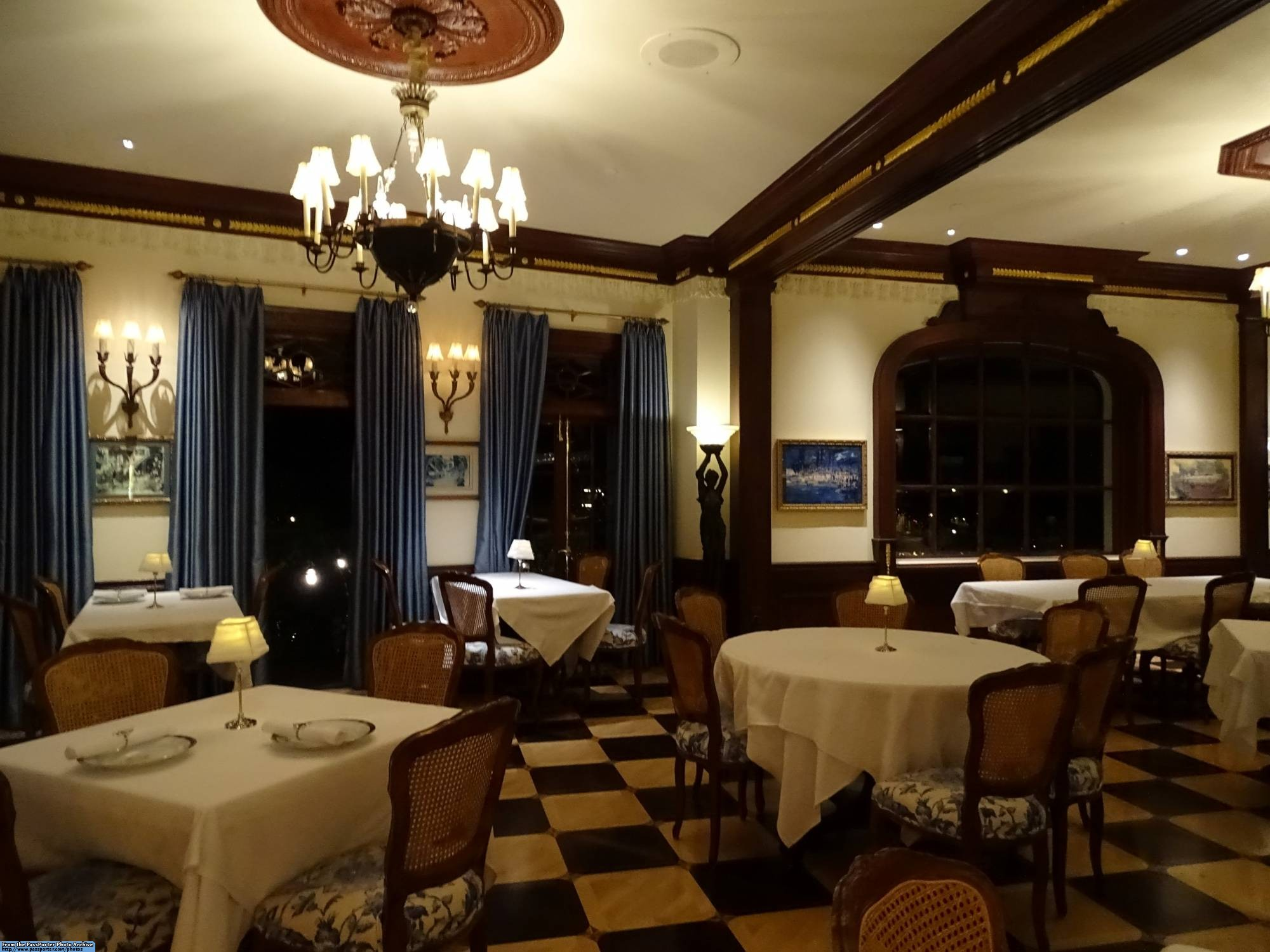 Get a peek into the exclusive private Club 33 at Disneyland | PassPorter.com