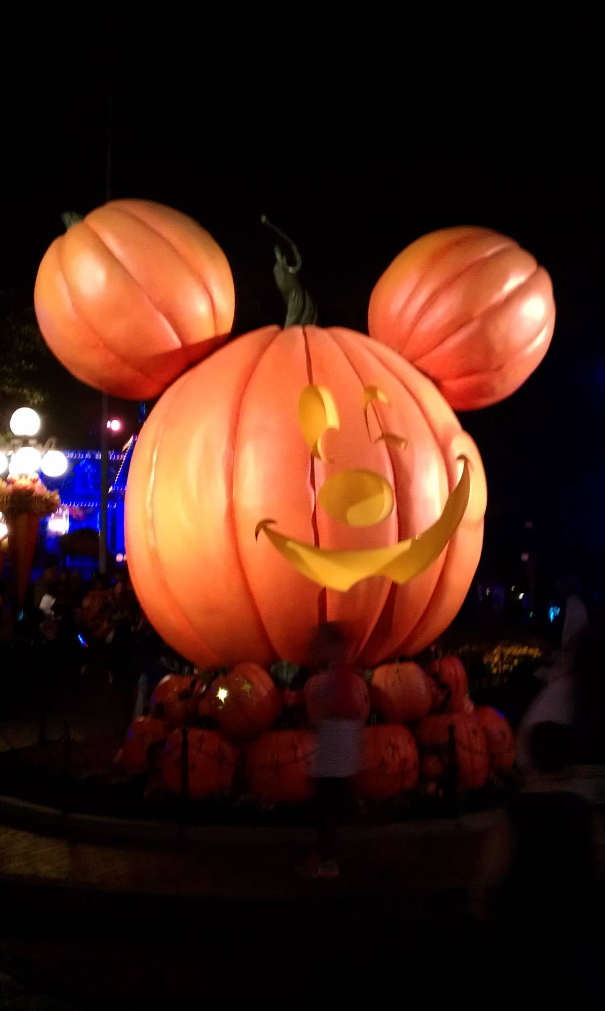 Trick or Treat at Mickey's Halloween Party in Disneyland | PassPorter.com