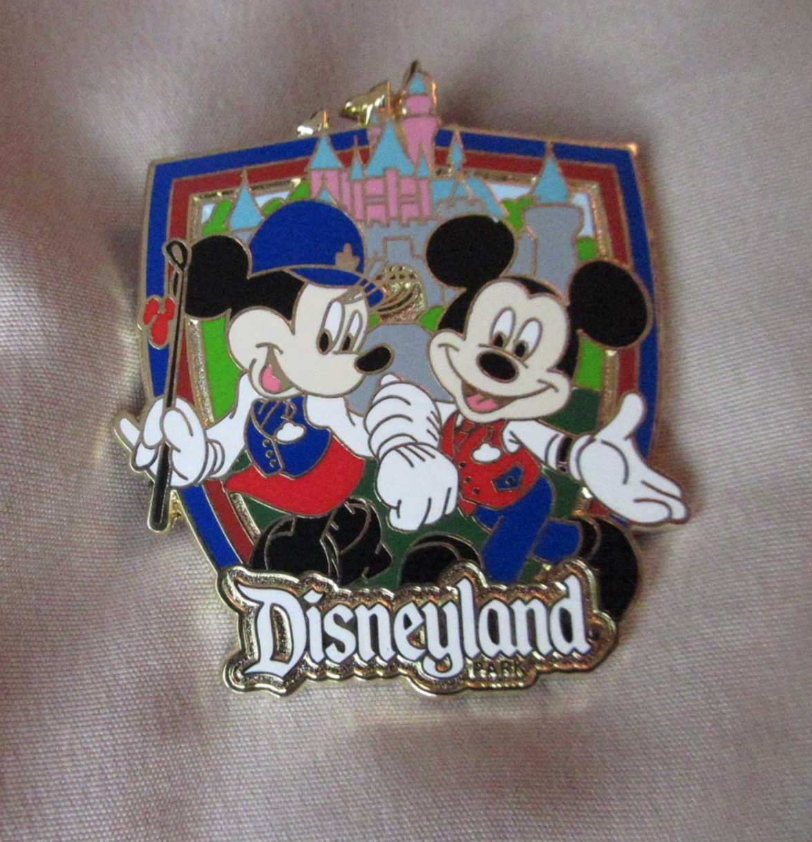 explore Disneyland with a Guided Tour   PassPorter.com
