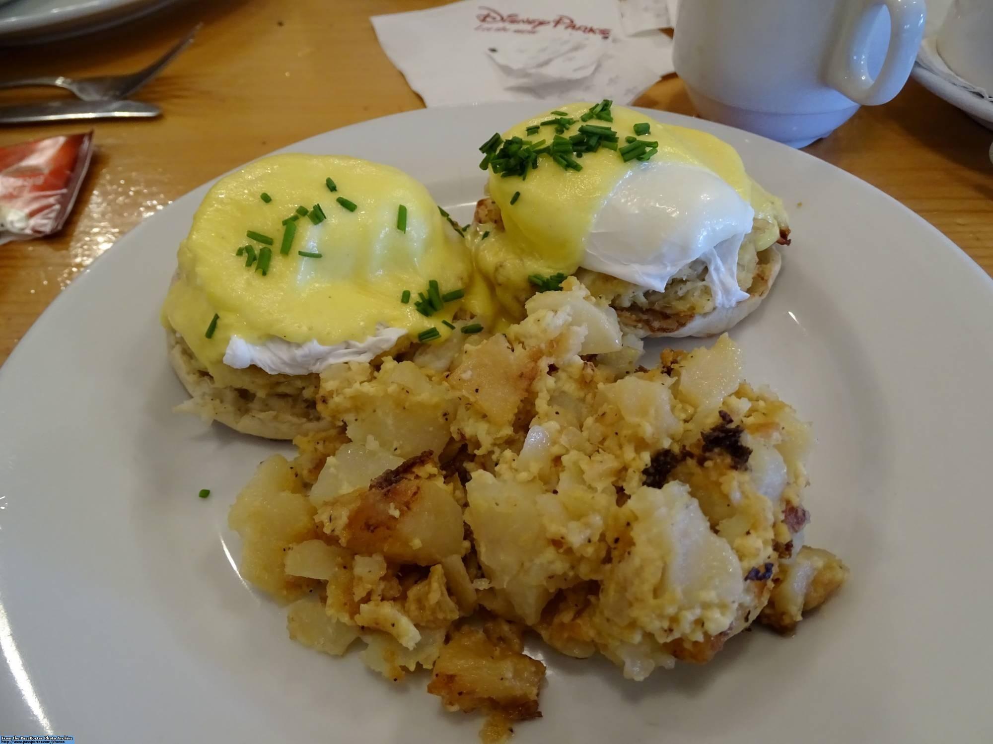 Enjoy a meal at Olivia's Cafe at Disney's Old Key West Resort | PassPorter.com