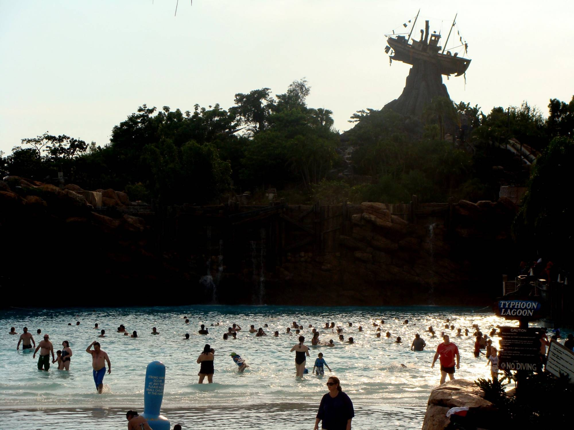Dive into the Typhoon Lagoon water park at Walt Disney World | PassPorter.com
