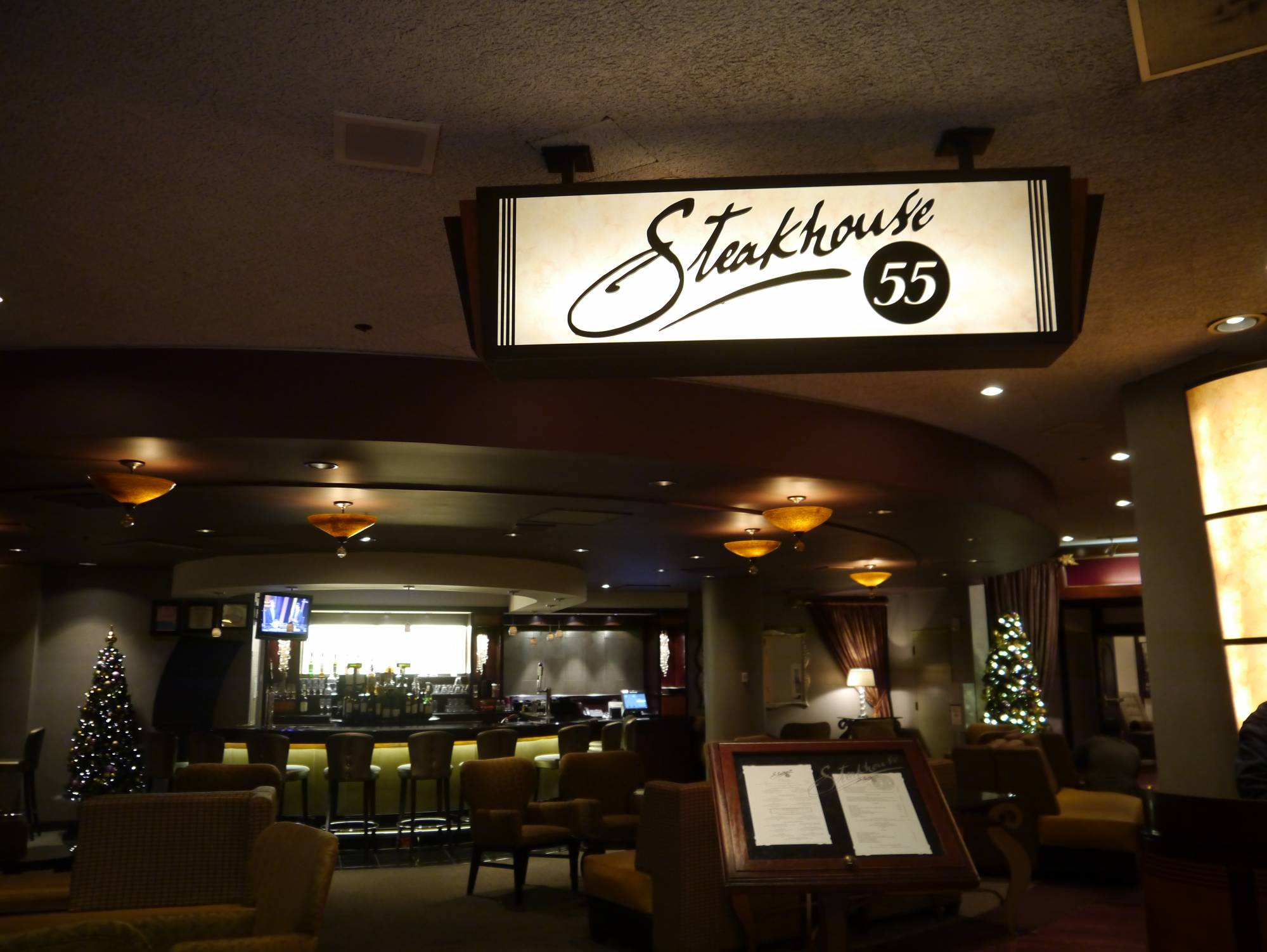 Enjoy a meal even vegetarians will love at Steakhouse 55 |PassPorter.com