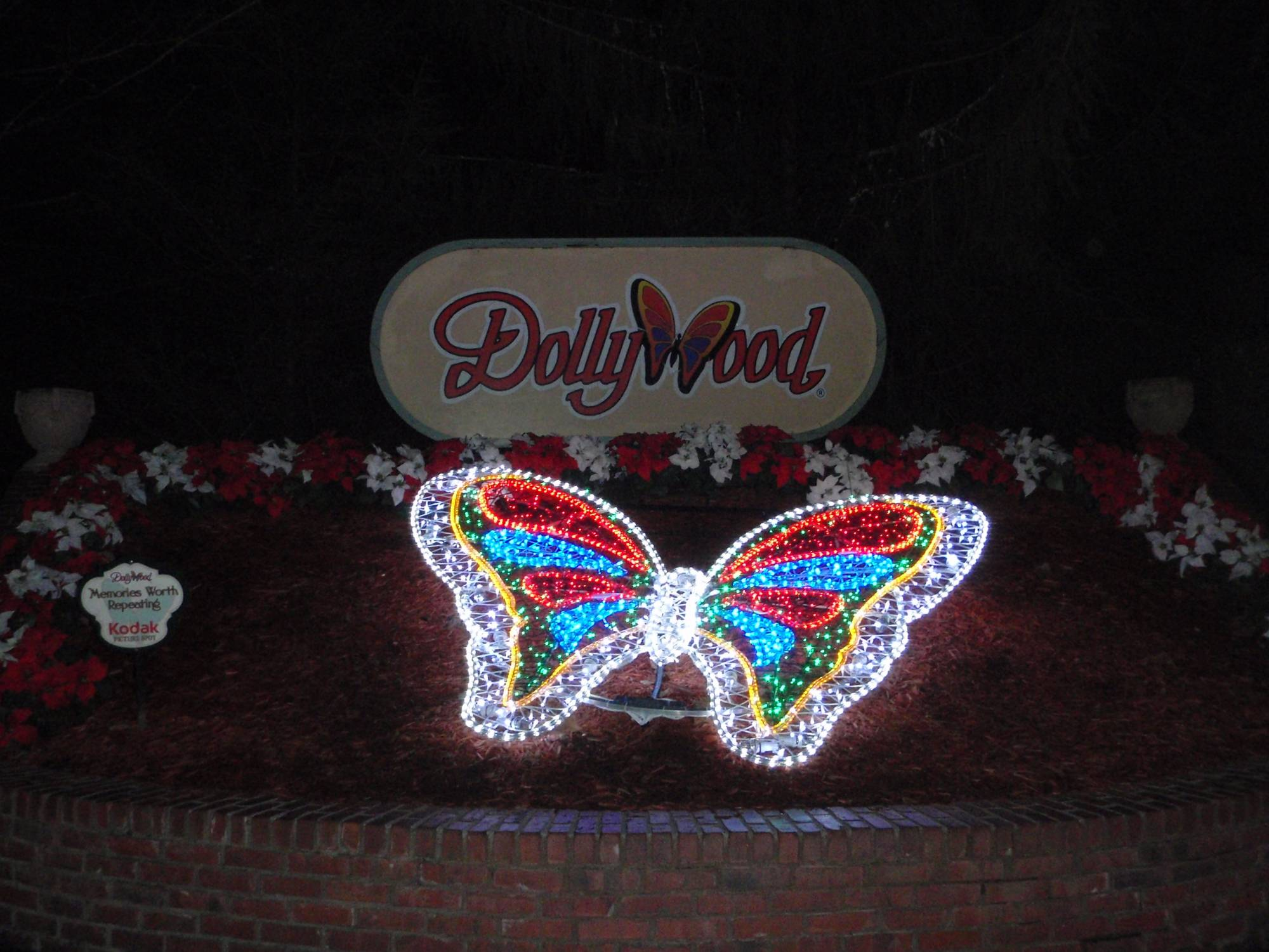 Discover the charm of Dollywood |PassPorter.com