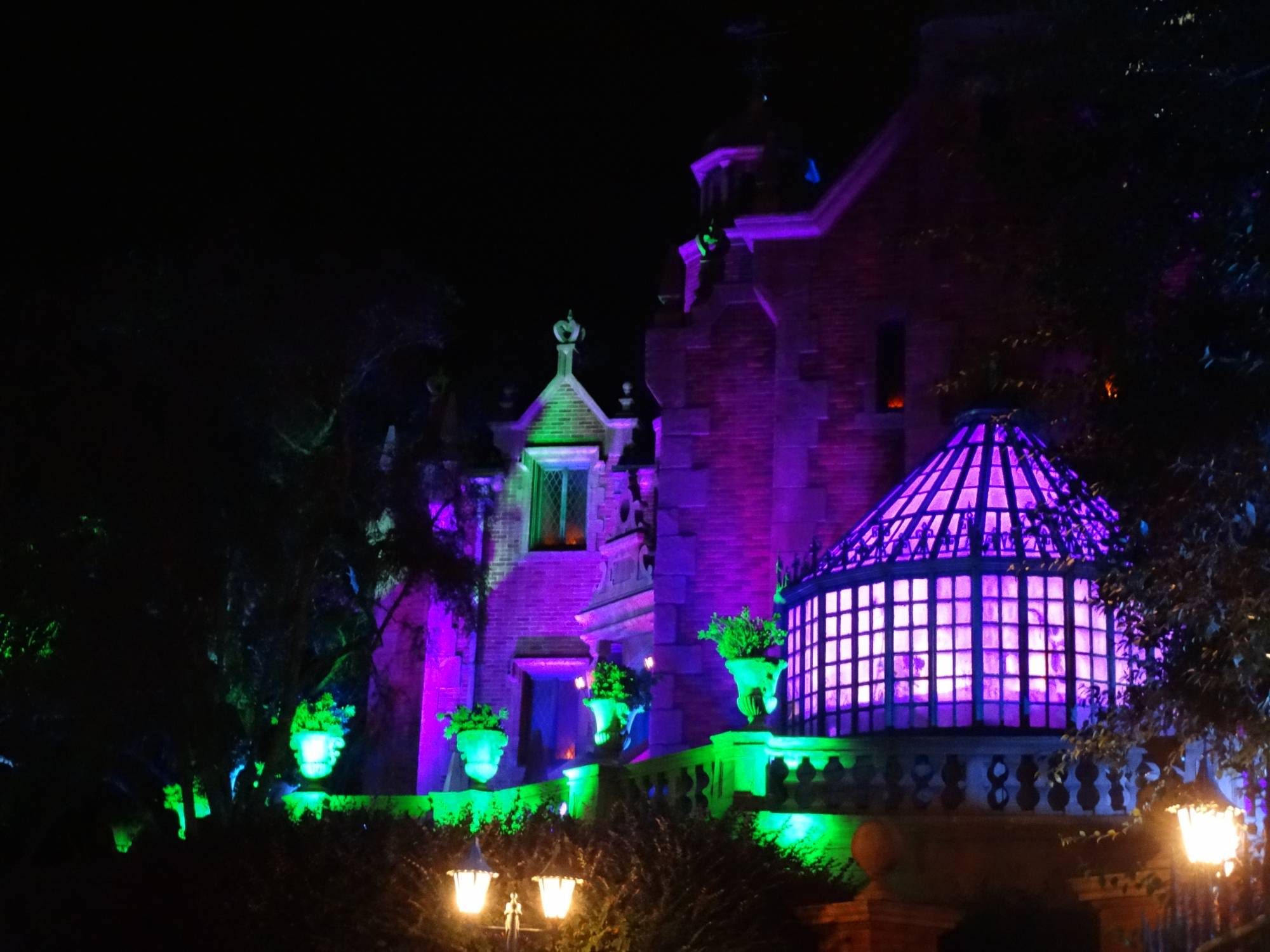 Magic Kingdom - Halloween Haunted Mansion photo