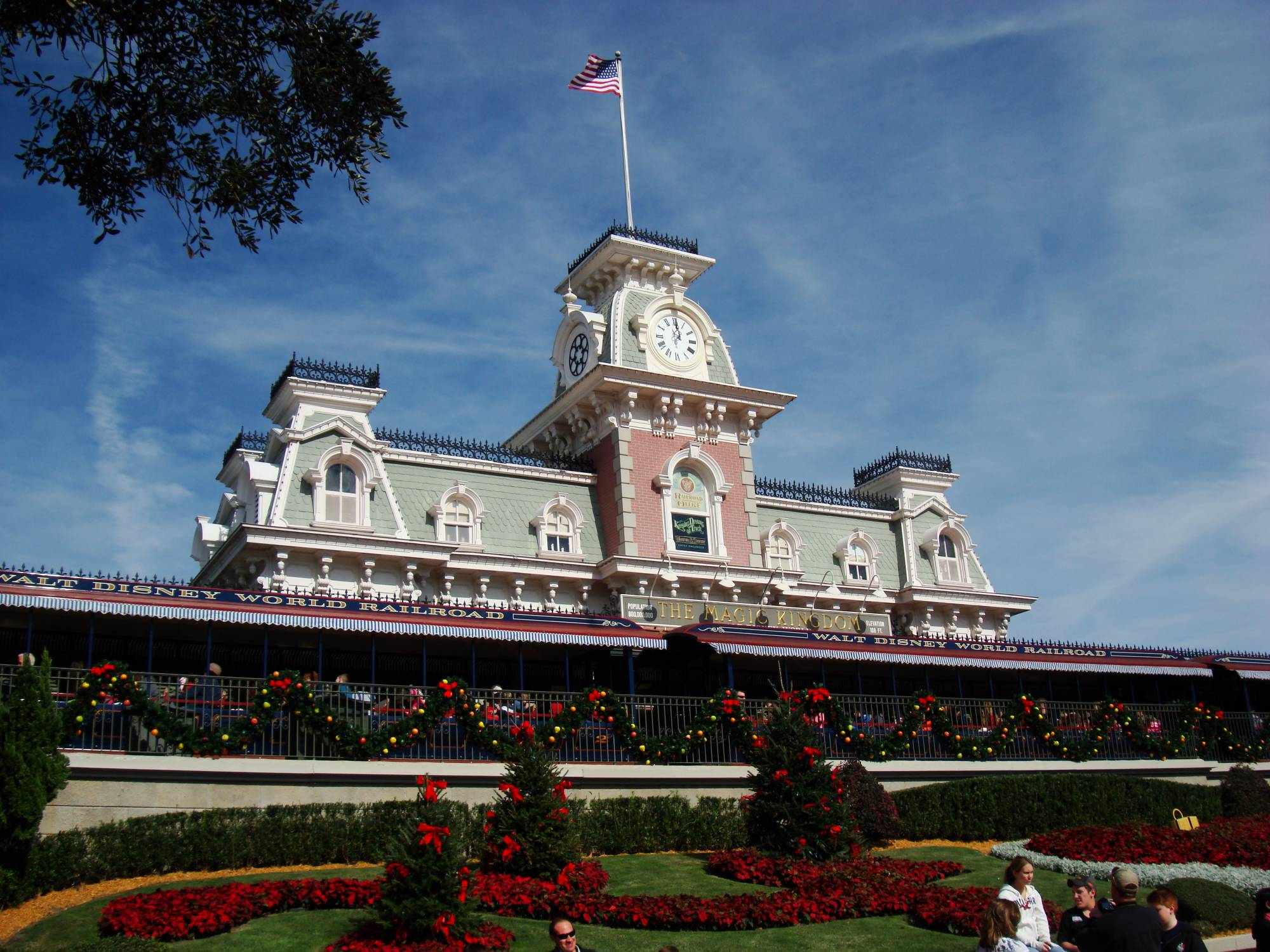 Learn about visiting Walt Disney World during the off-season | PassPorter.com