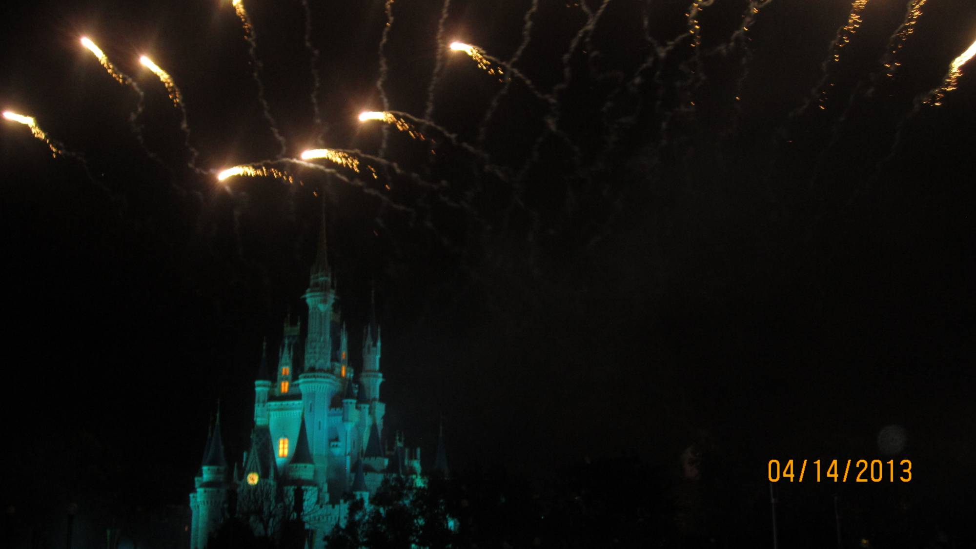 Get a fantastic view of 'Wishes' from the Tomorrowland Terrace Dessert Party in the Magic Kingdom | PassPorter.com