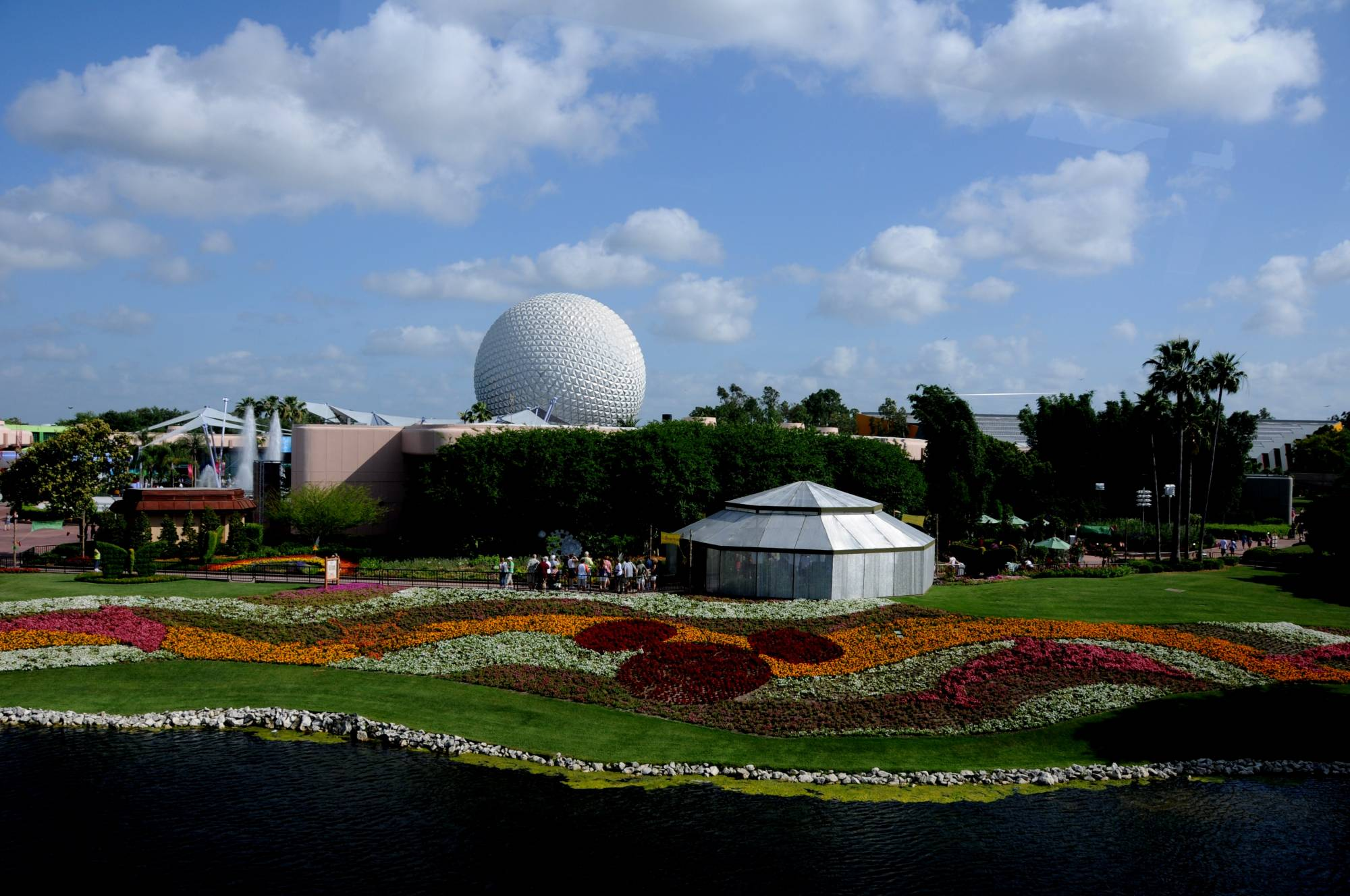 See Disney come to life at the Epcot Flower and Garden Festival with this review | PassPorter.com