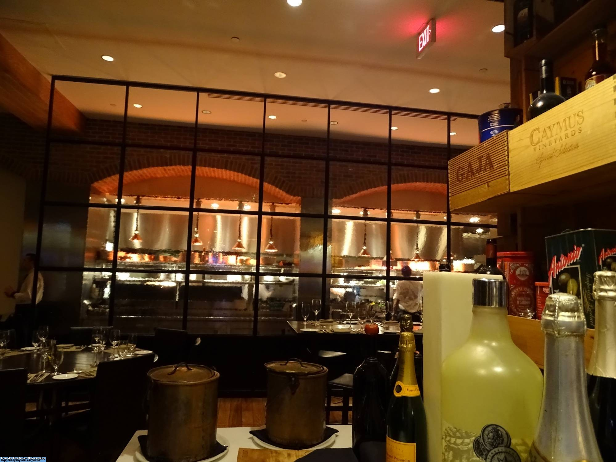Enjoy a delicious Italian meal at Il Mulino at the Walt Disney World Swan |PassPorter.com