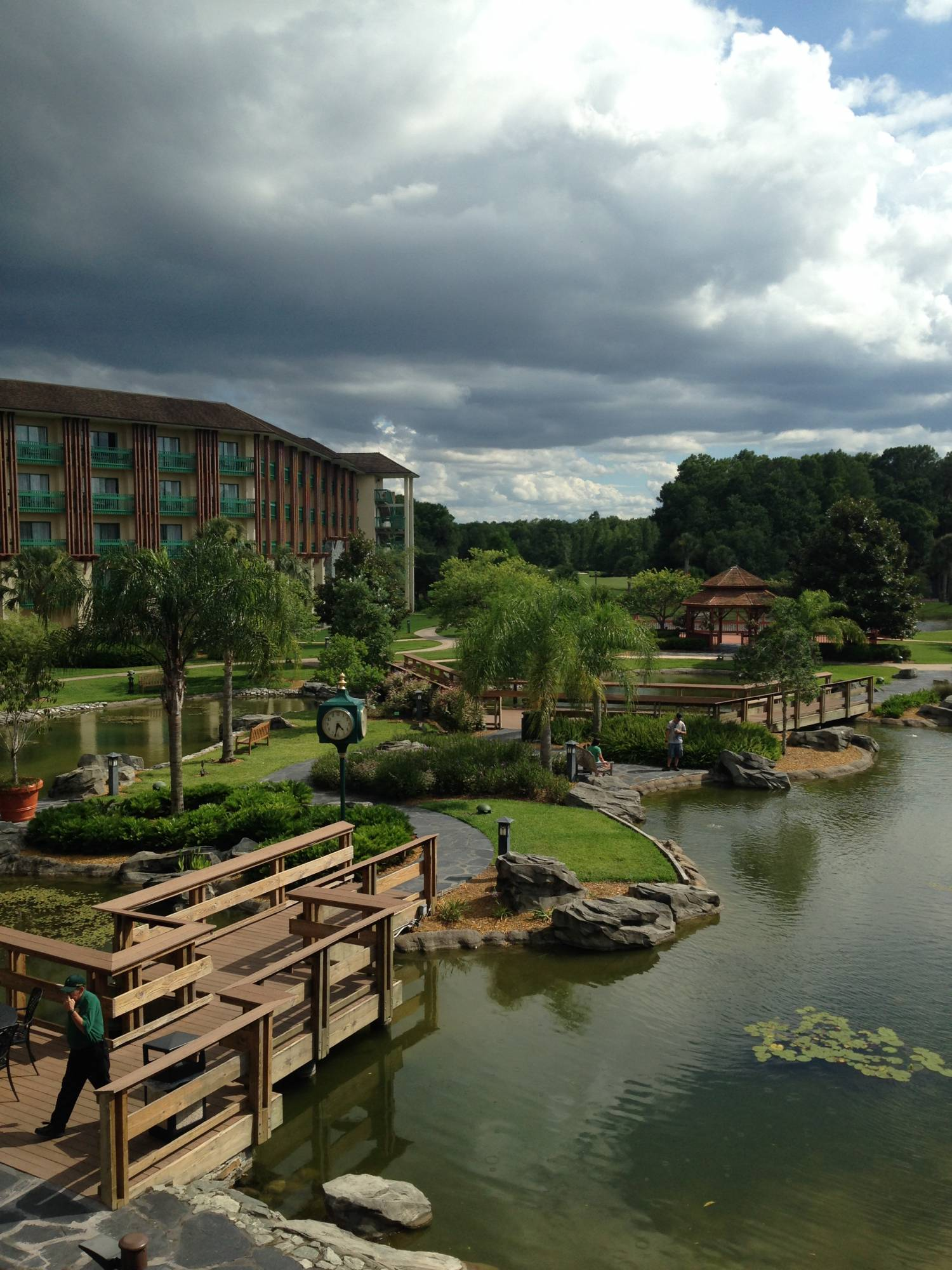 Military personnel can enjoy a stay at Shades of Green at Walt Disney World |PassPorter.com