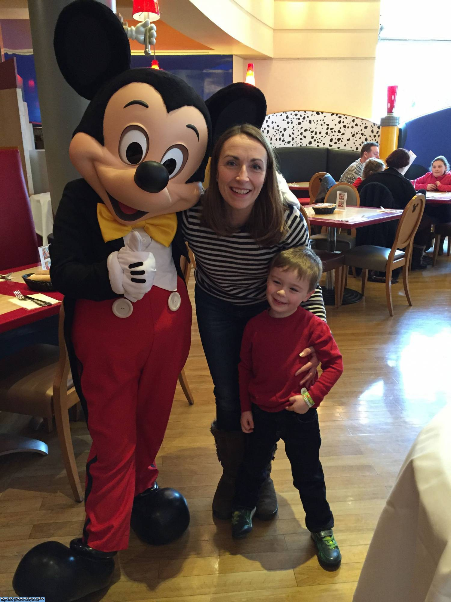 Planninga trip to Disneyland Paris with a Preschool Aged Child |PassPorter.com