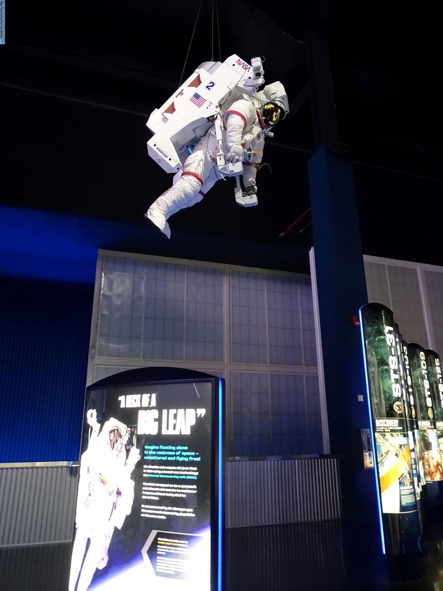 Explore the Atlantis Space Shuttle at Kennedy Space Center |PassPorter.com