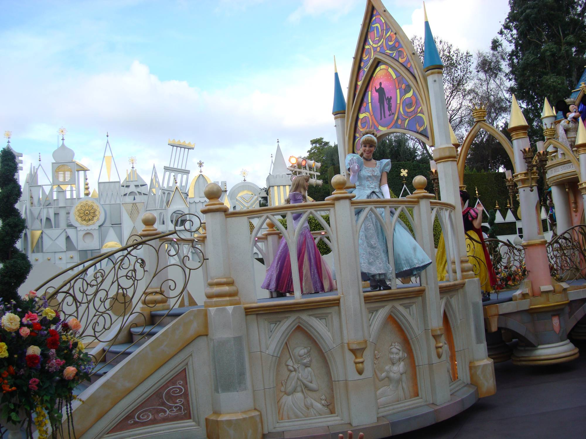 Parade of Dreams - Cinderella on the Princess Float