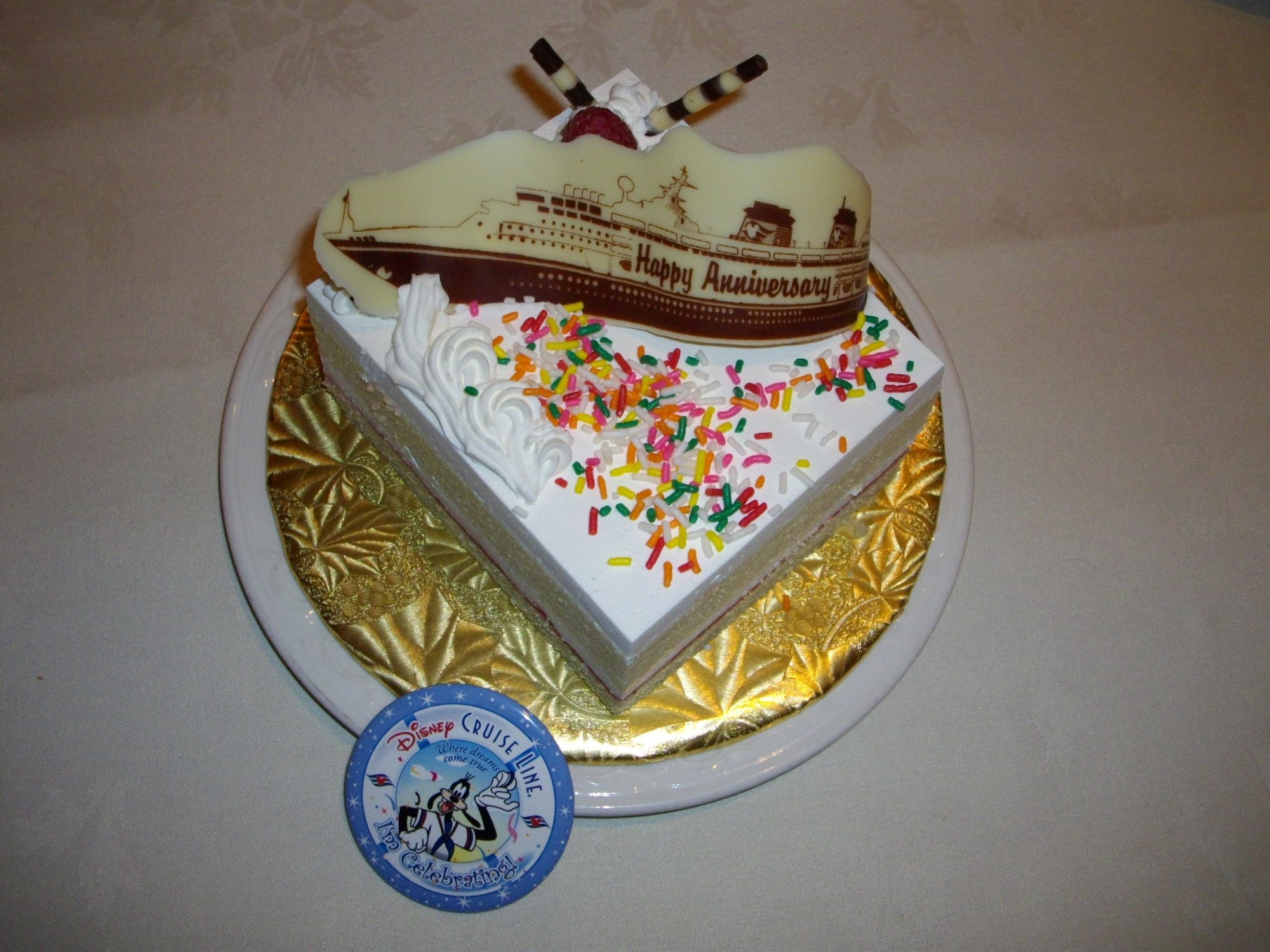 DCL Magic - Celebration Cake