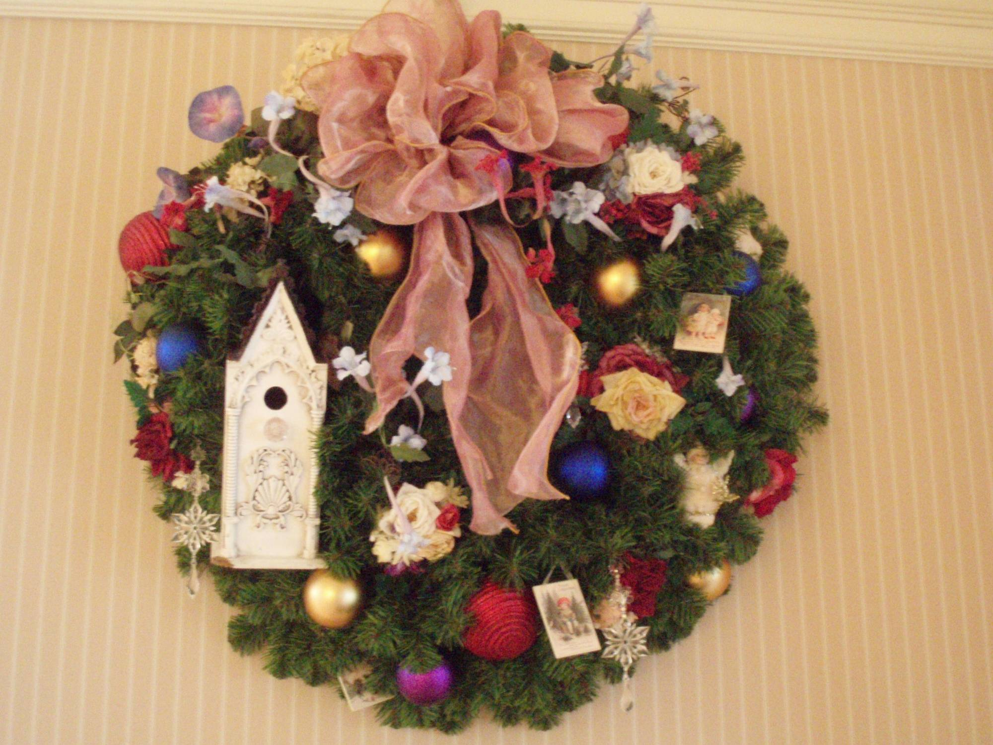 Grand Floridian Lobby - Wreath