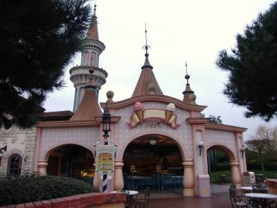 Disneyland Paris Dining In Fantasyland PassPorter Photos