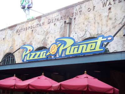Hollywood Studios - Pizza Planet