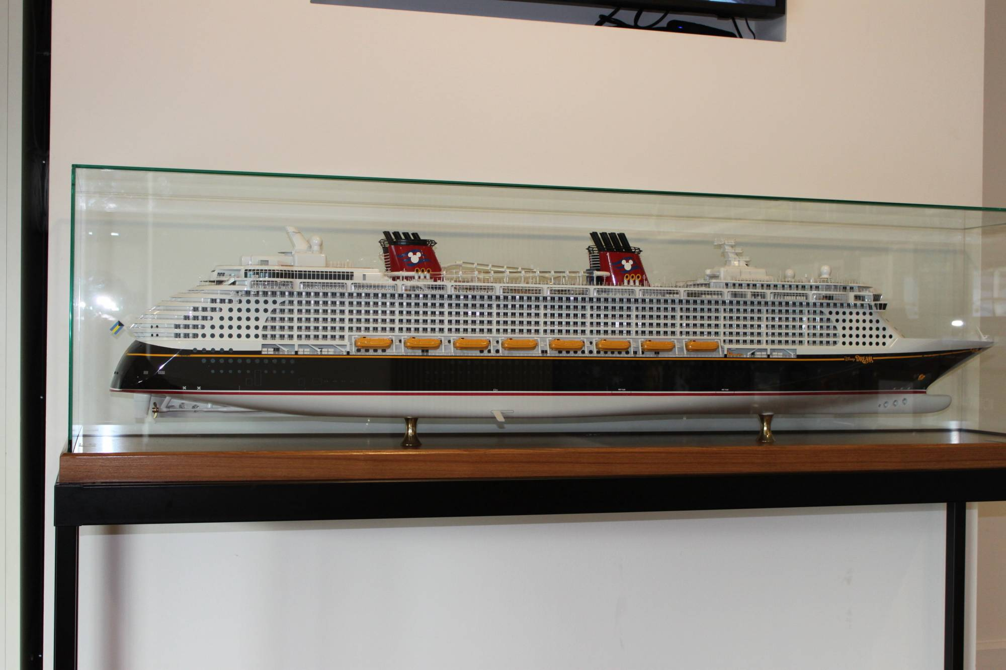 Model of the Disney Dream