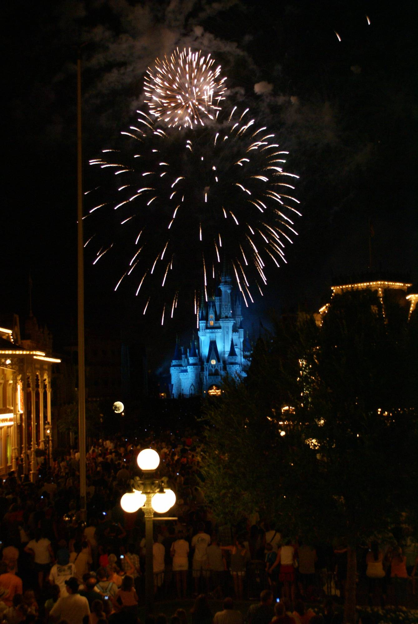 Magic Kingdom - SummerNightastic Fireworks