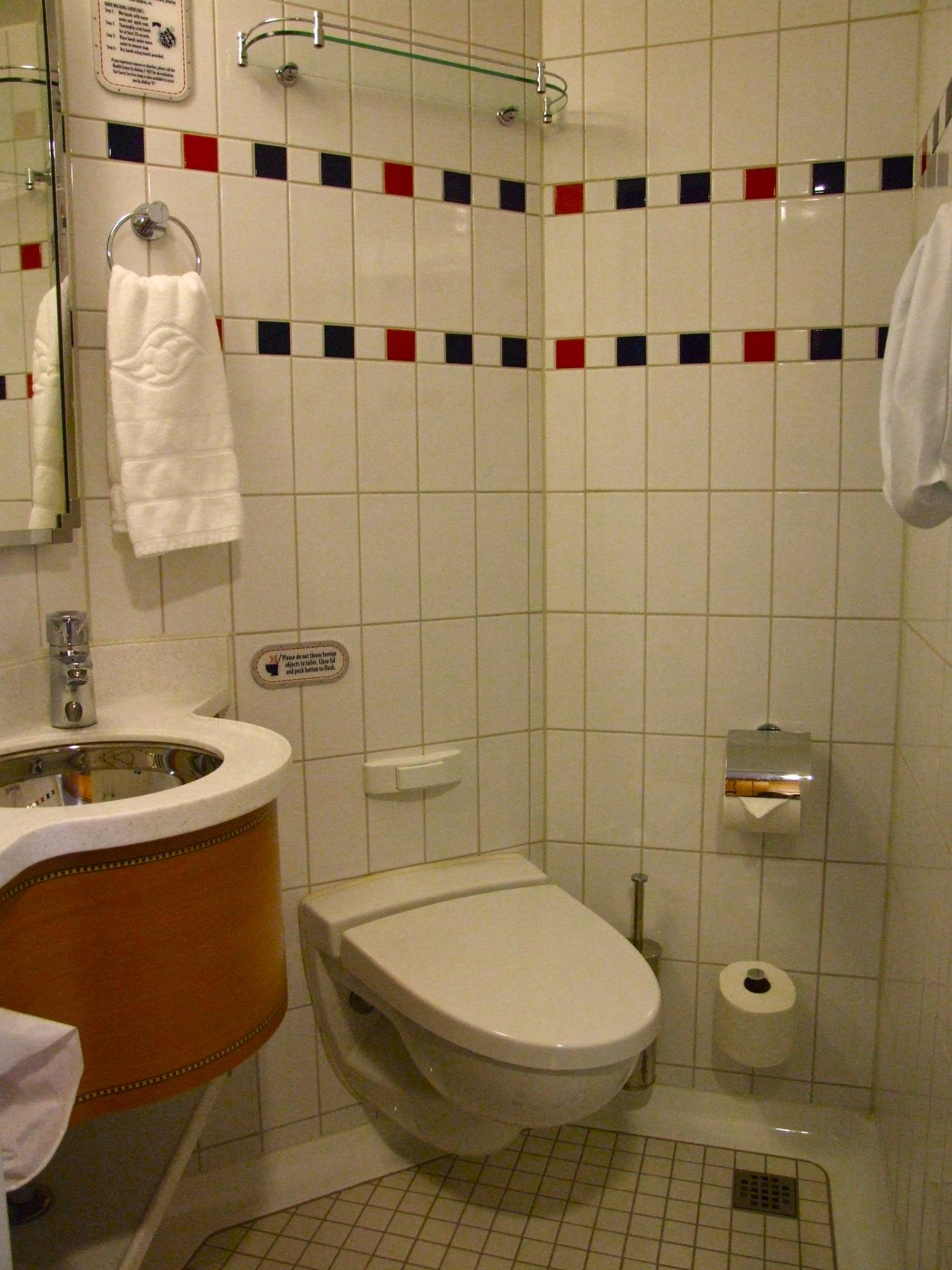 Disney Dream - Split Bathroom in a Stateroom (#7022)