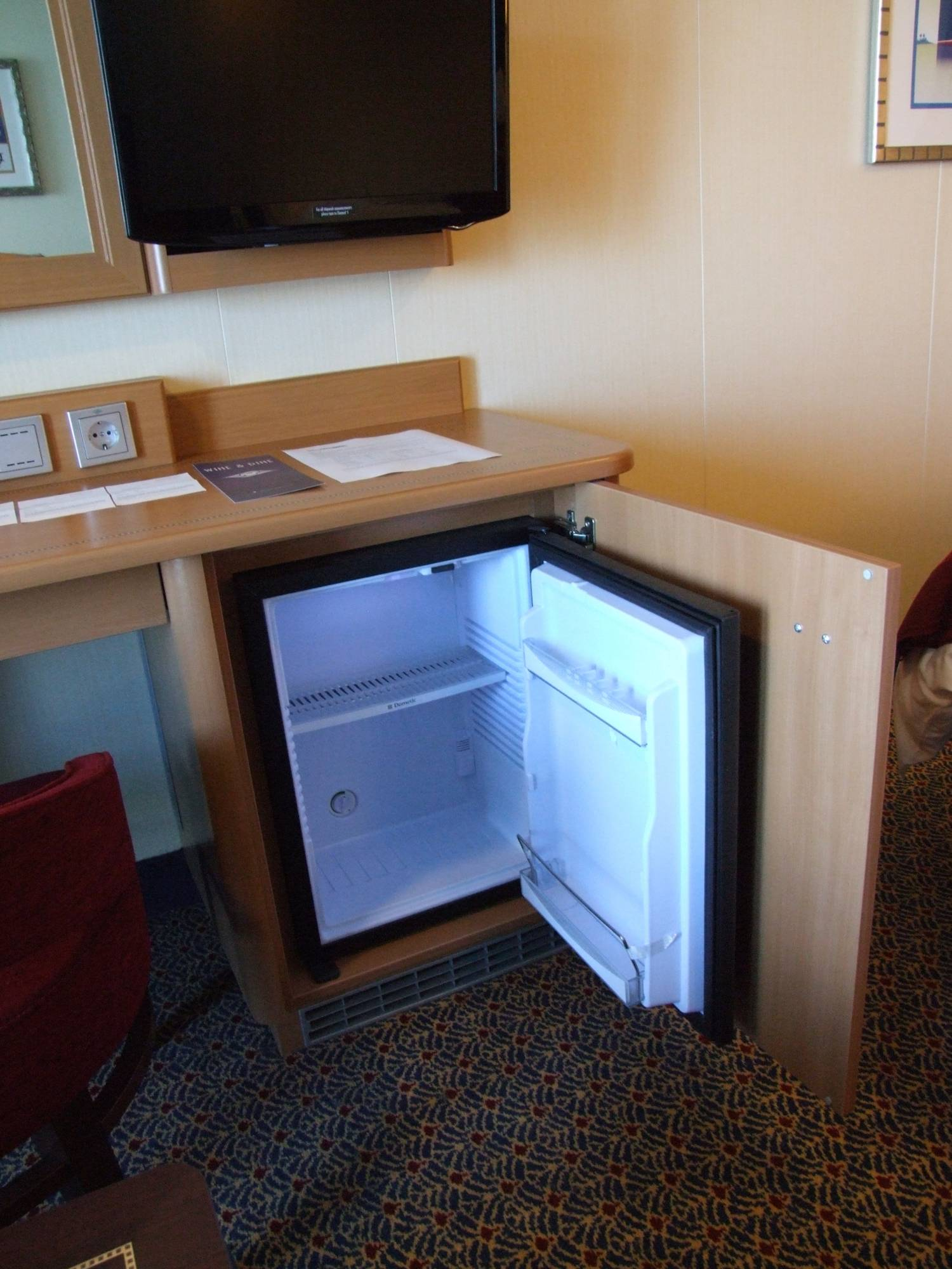 Disney Dream - Cooler/Refrigerator in Stateroom