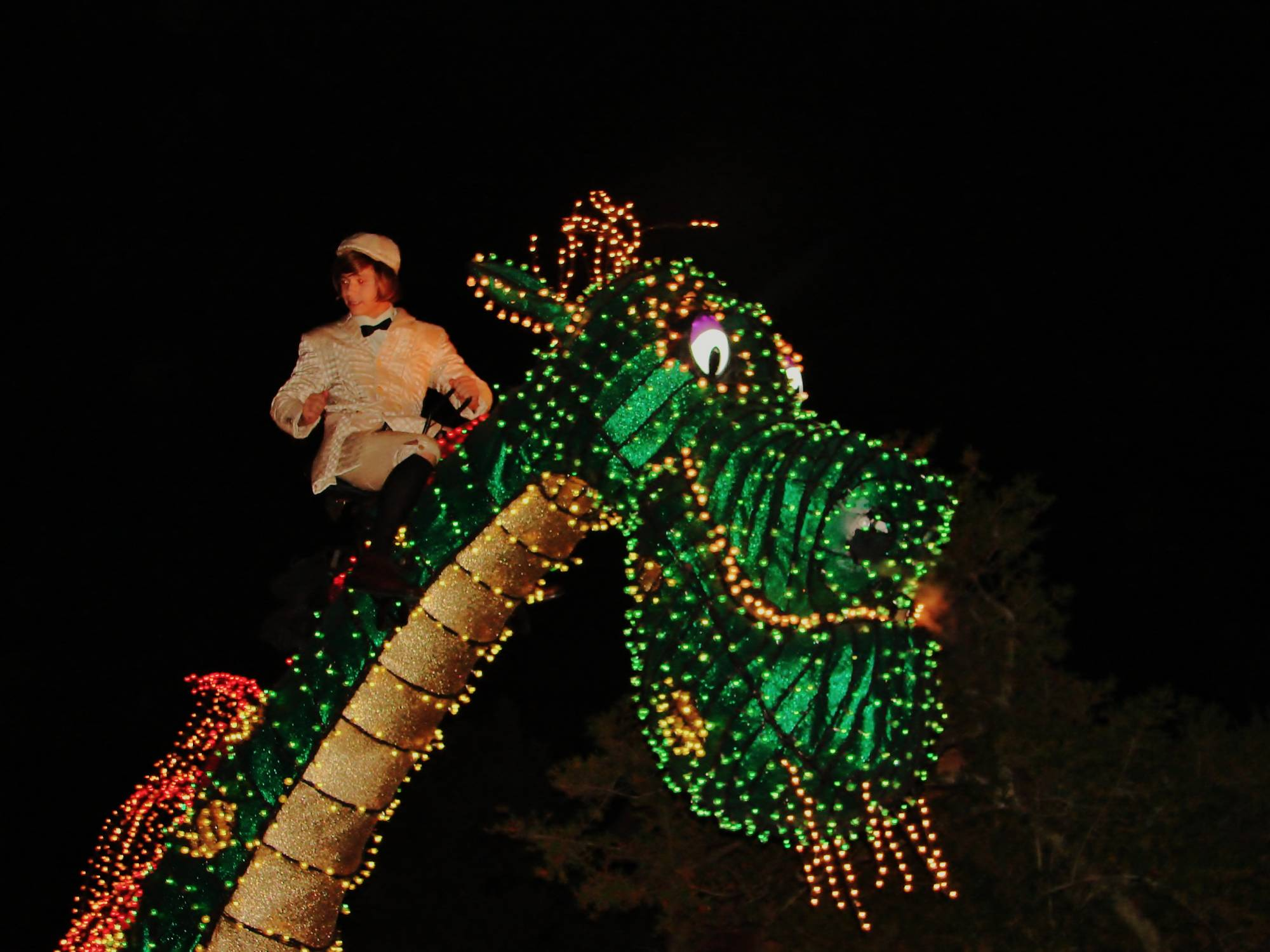 Pete's Dragon in Main Street Electrical Parade