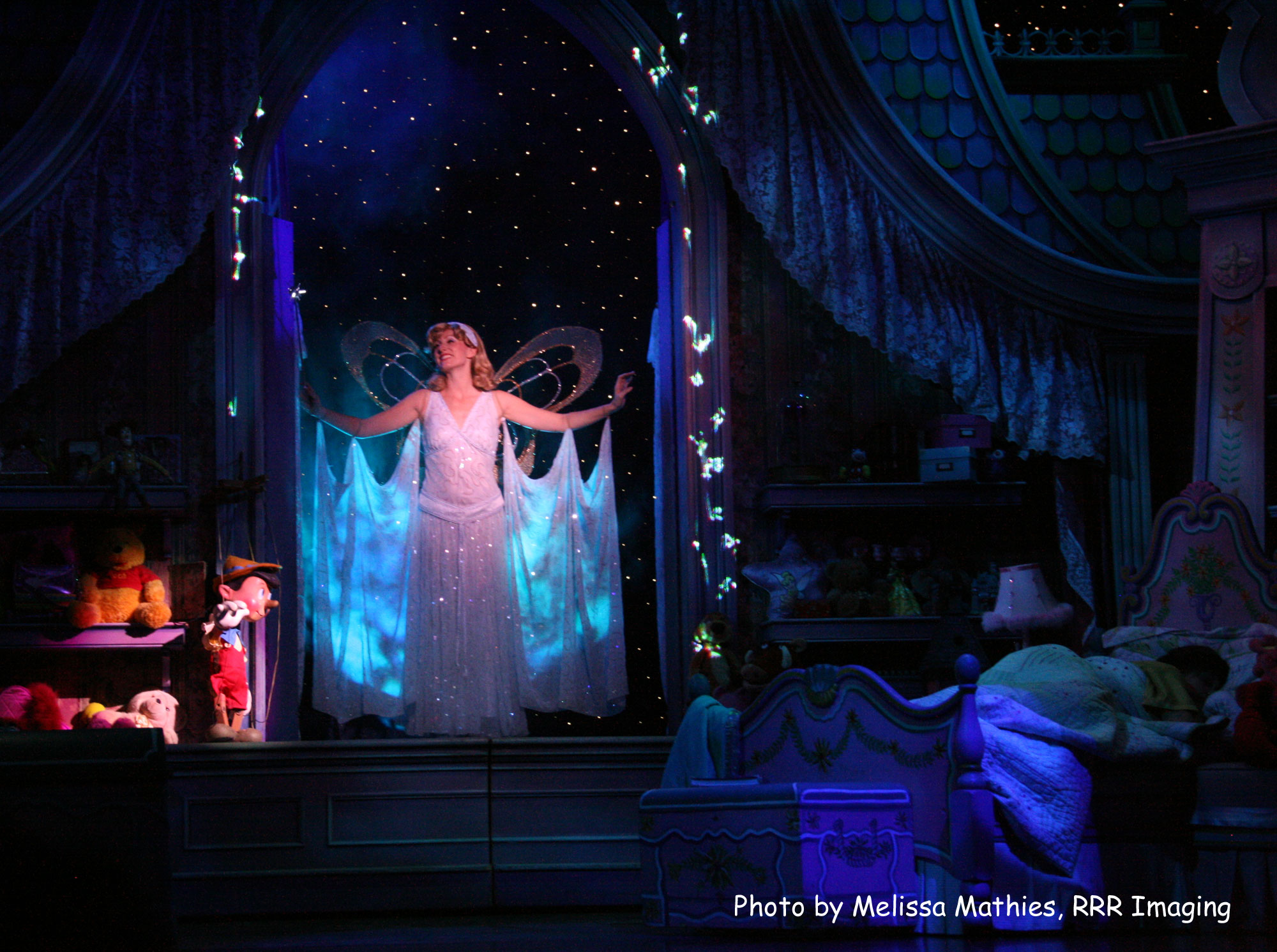 Disney Wonder Ship - Disney Dreams Show