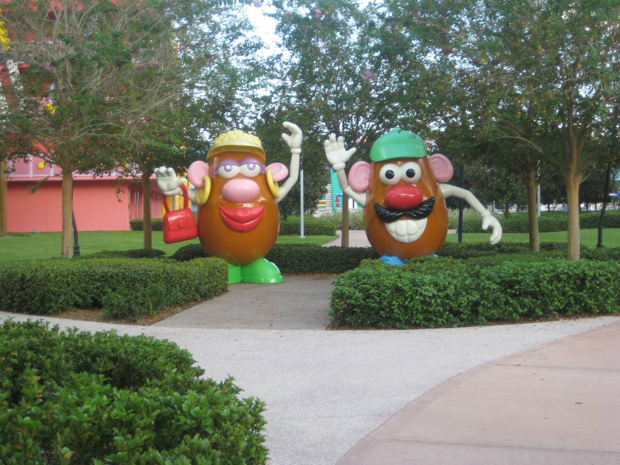 Pop Century Icon - Mr. & Mrs. Potato Head