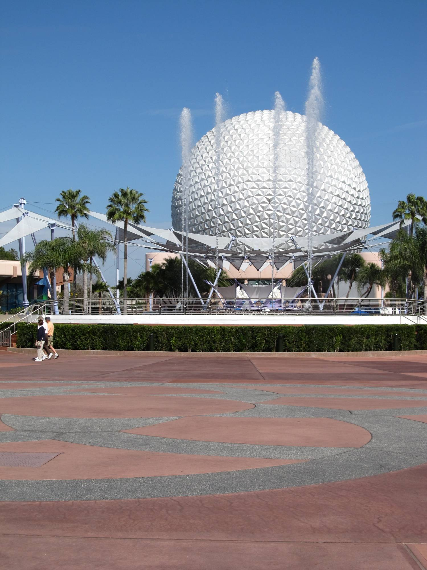 Spaceship Earth Fountains