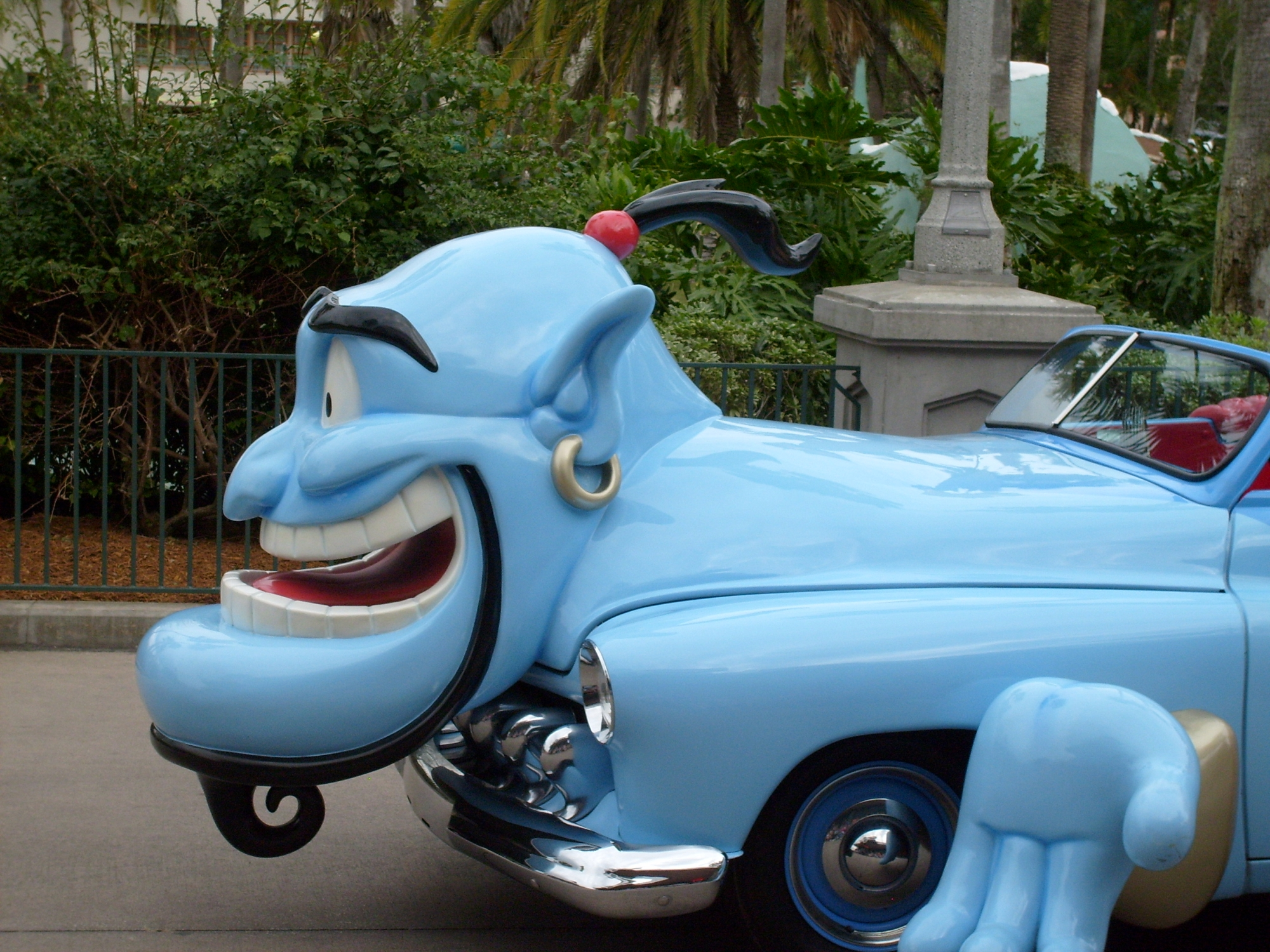 "Hollywood Studios--Stars and Motor Cars Parade--Alladin's ""Genie"""
