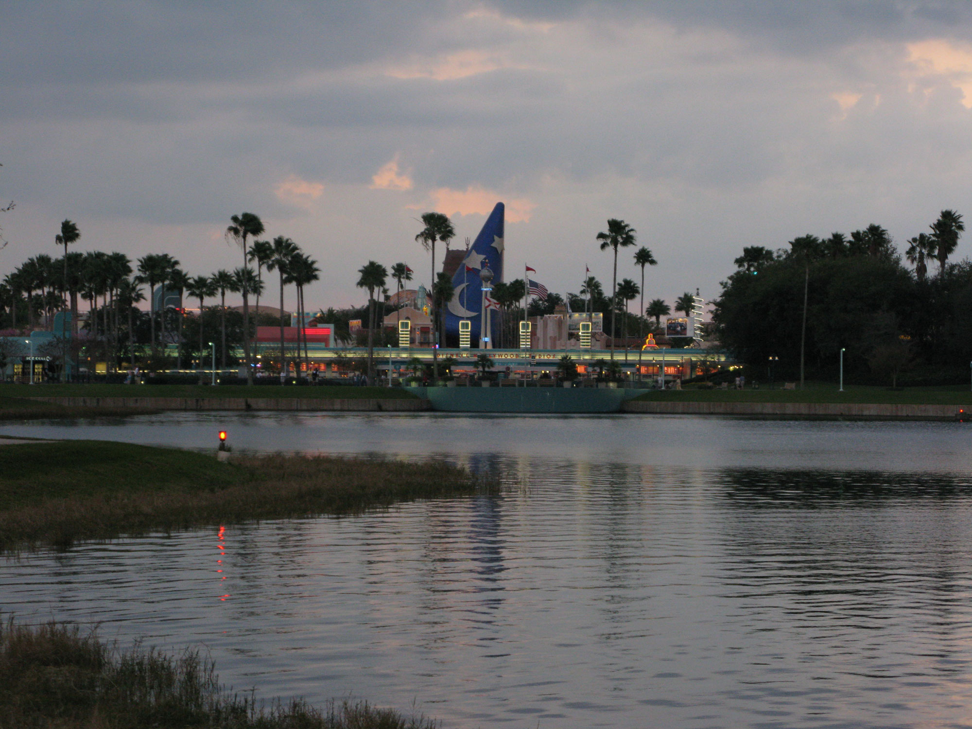 Walkway from Disney Hollywood Studios to Epcot resorts