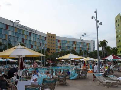 Cabana Bay - Lazy River Courtyard Pool