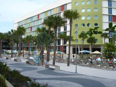 Cabana Bay - Lazy River Courtyard Beach