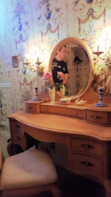 Disneyland New Orleans Square Dream Suite dressing room