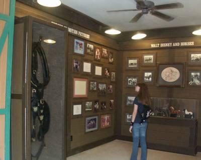 Fort Wilderness - Horse Barn Display - PassPorter Photos